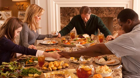 You're INSANE if you think Sandra Bullock ate even a fraction of a Thanksgiving meal that day.
