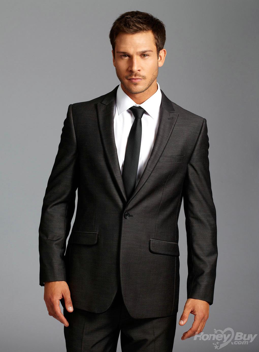 momanal-suit