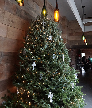 Three Taverns Christmas tree in the Keeping Room. (Chris Powell/PorchDrinking.com)