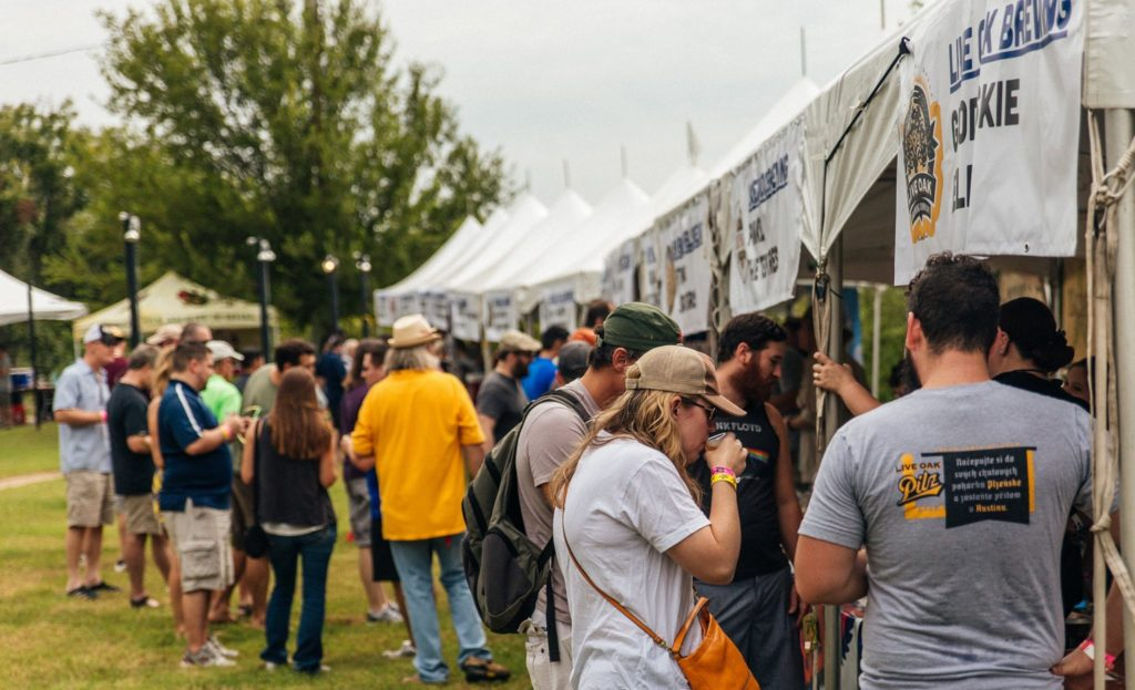texas-craft-brewers-festival-crowd
