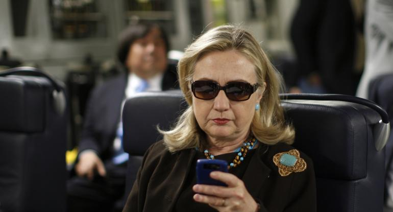 hillary-clinton-phone
