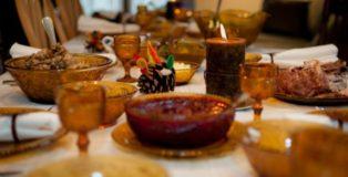 landscape-1447774682-thanksgiving-table