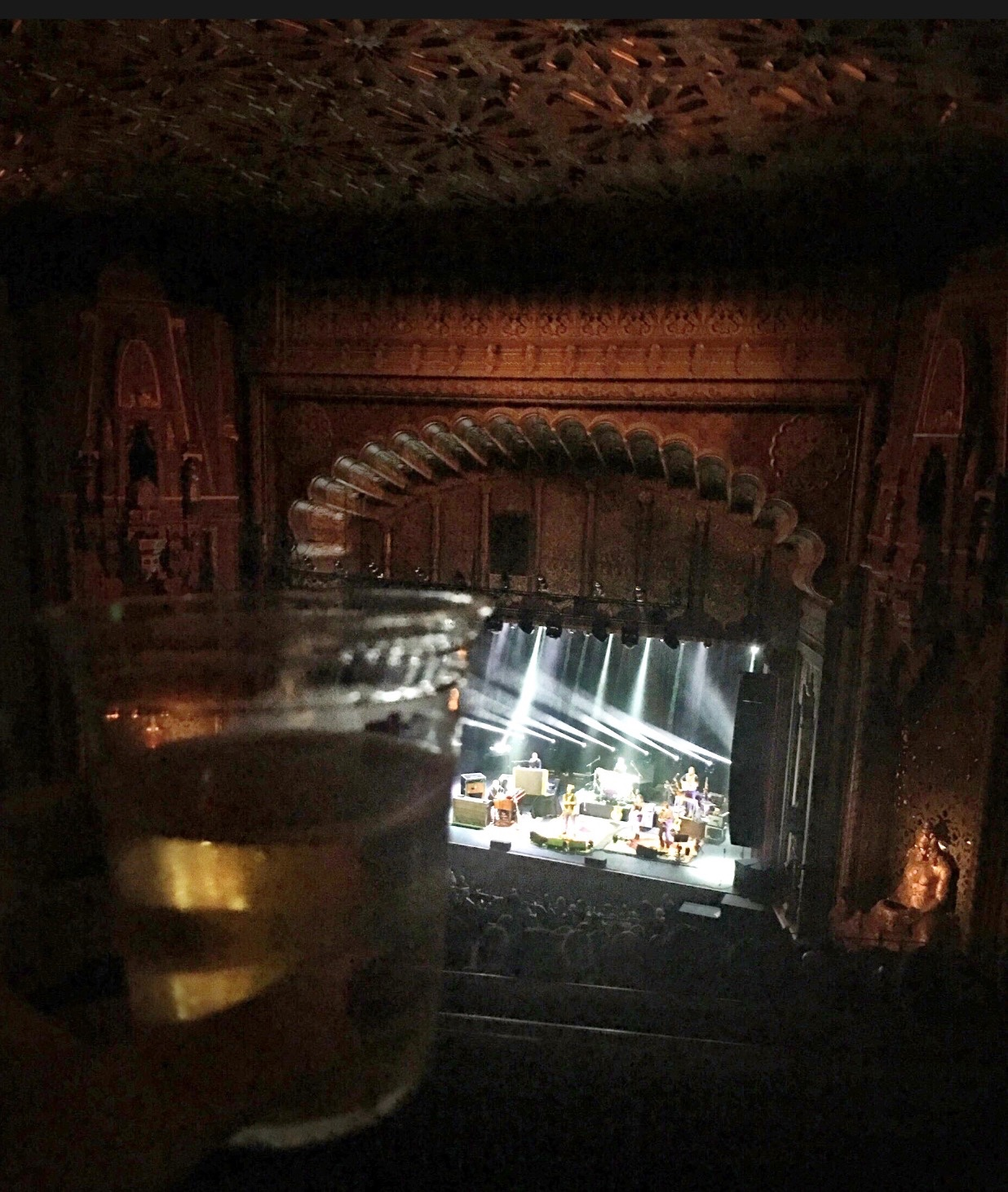 urquell_pilsner_with_an_amos_lee_backdrop_________________-_null_