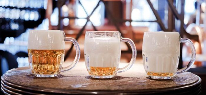 What's the Difference Between Wet and Dry Foam in Beer?